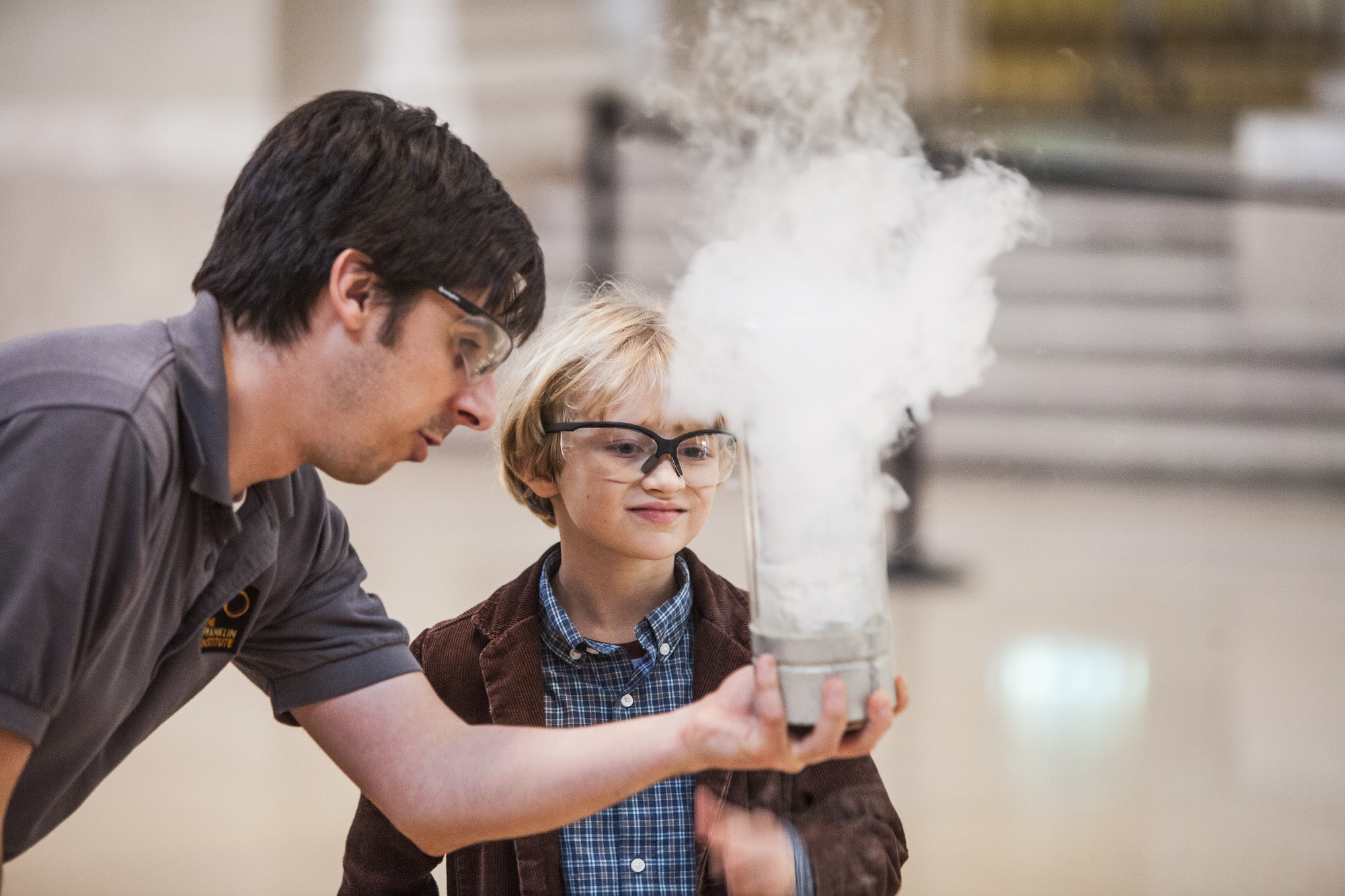 Live Science Show boy with liquid nitrogen