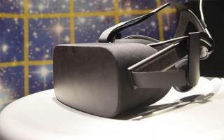 A virtual reality headset at the Franklin Institute's holodeck