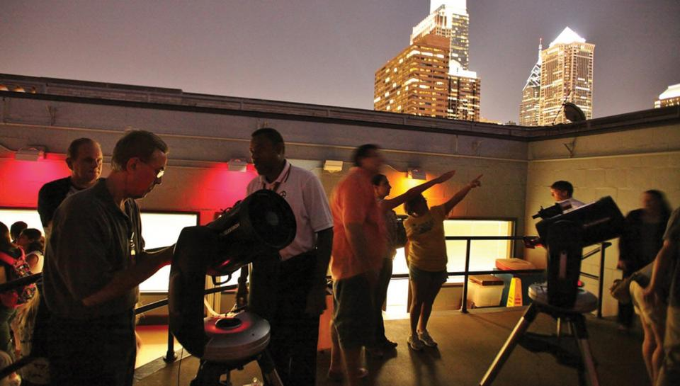 The Franklin Institute's Chief Astronomer Derrick Pitts leads the City Skies program.